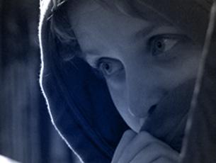 -filmowiec, ukończyła PWSFTviT w Łodzi, w 2006 r. założyła własną firmę produkcyjną BLASZANKA STUDIO, aby realizować autorskie filmy dokumentalne. W 2011 roku otrzymała stypendium Ministra Kultury i Dziedzictwa Narodowego na eksperymentalny film taneczny InSide.