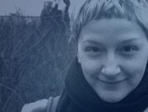 Carolina Albano - aktorka. W 2007 roku ukończyła filmoznawstwo na Uniwersytecie Roma Tre w Rzymie (wydział D.A.M.S. - Discipline dell'Arte, della Musica e dello Spettacolo). W latach 2009-2011 grała w warszawskim Studium Teatralnym prowadzonym przez Piotra Borowskiego.